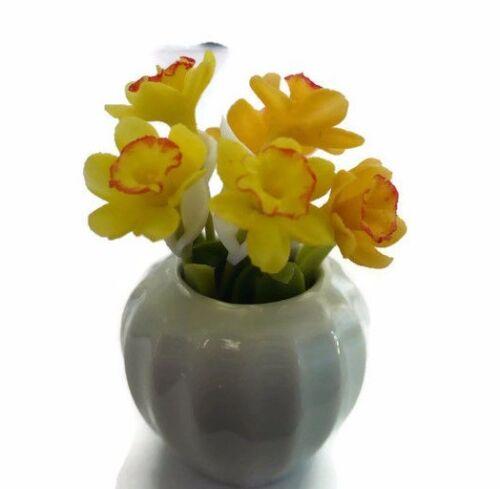 Daffodil in Pot Vase Dollhouse Miniatures Flower Garden