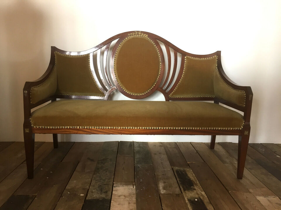 Sofa i empirestil