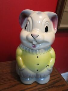 AMERICAN-BISQUE-RABBIT-WITH-HANDS-IN-POCKETS-11-034