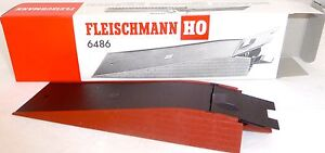 Auffahrrampe-Rollende-Landstrasse-Fleischmann-6486-H0-1-87-NEU-OVP-U-039-K