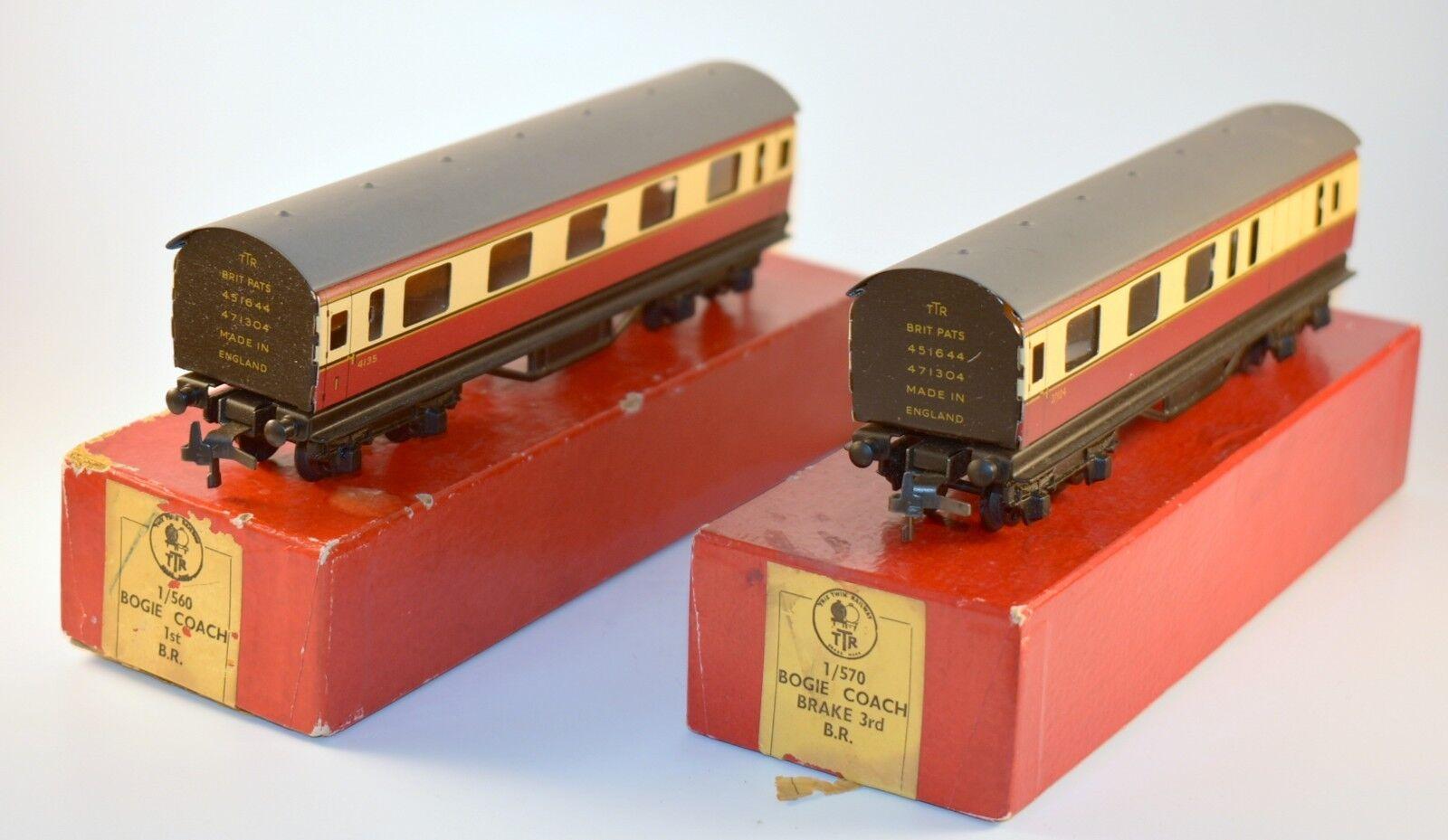 Lote de 2 de los ferrocarriles británicos bogie entrenadores Trix Con Cajas Originales