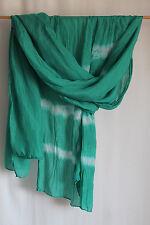 cocon.commerz PRIVATSACHEN  Schal aus Seide mit Batikmuster in grün