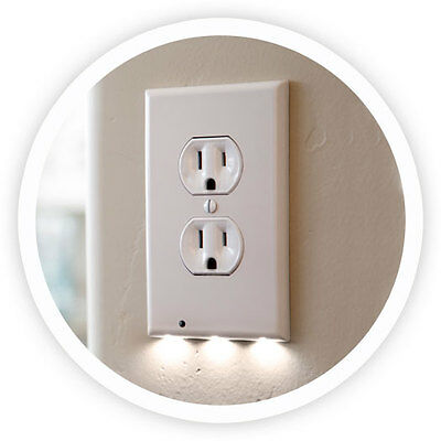 Snap power Guidelight Outlet Coverplate with LED Night Light, Duplex, White.