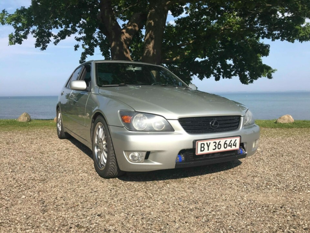 Lexus IS200, 2,0, Benzin, 2000, km 295000, metal,…