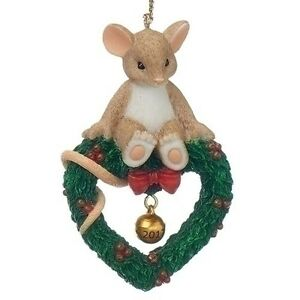 Charming Tails Mouse on Heart Wreath 2017 Dated Christmas Ornament ...