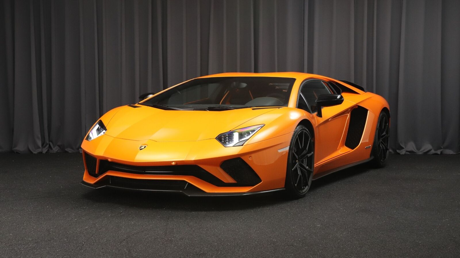 Lamborghini Aventador 6,5 S 2d
