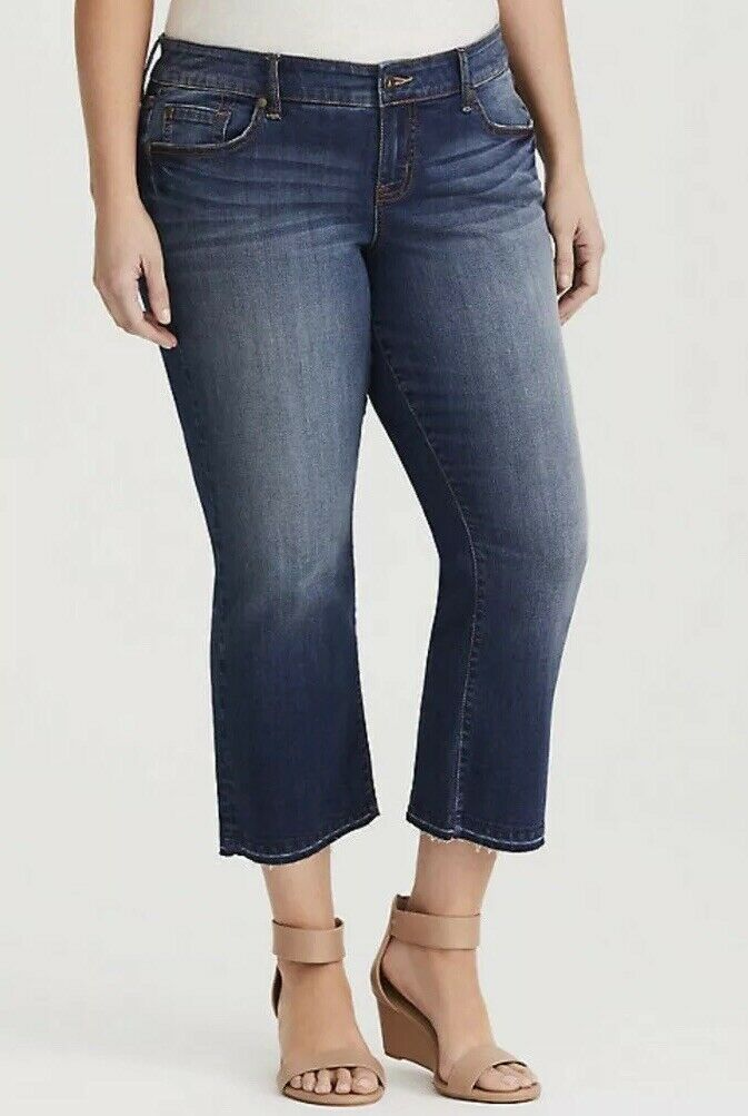 Sz 10 Torrid Cropped Flare Raw Hem Jean NWT Sold Out
