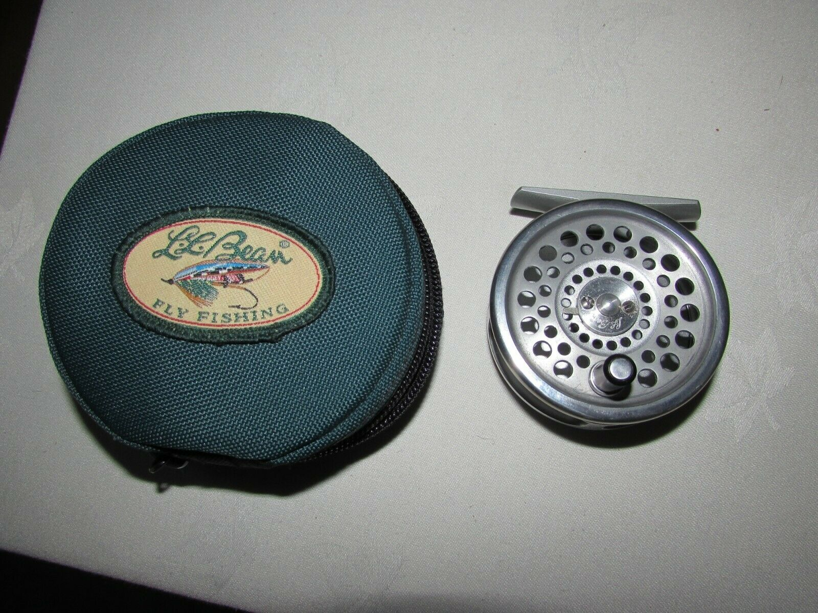 Original  vintage Hardy LL bean guide 3 4 marquis 4 trout fly fishing reel case  quality product