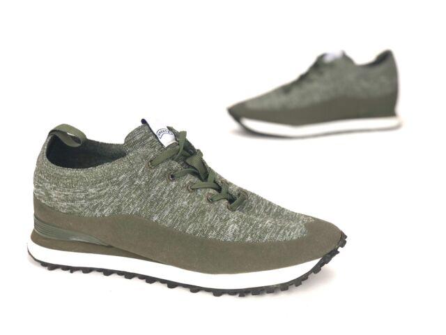 Casual Tennis Shoes Size US 7/ EUR 40