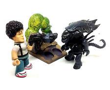 """Aliens Movie RIPLEY v ALIEN QUEEN 4"""" mezits mini horror figure toy set of 2"""