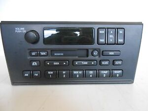 2000 Lincoln LS AM/FM Cassette Stereo P/N:YW4F-18C870-AA