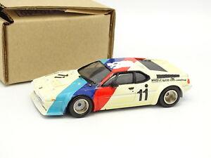 Record-Kit-Montado-1-43-BMW-M1-Gr4-N-11