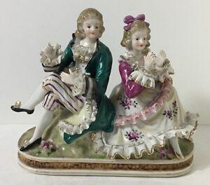 Ancienne-Decoration-Signee-HERFORD-Posture-D-039-un-Couple-H-15-Cm-Voir-Photos