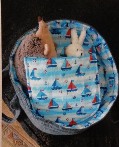 verde//beige fatto a mano Bambole stabile borsa da trasporto con letto roba NUOVO fiori prato