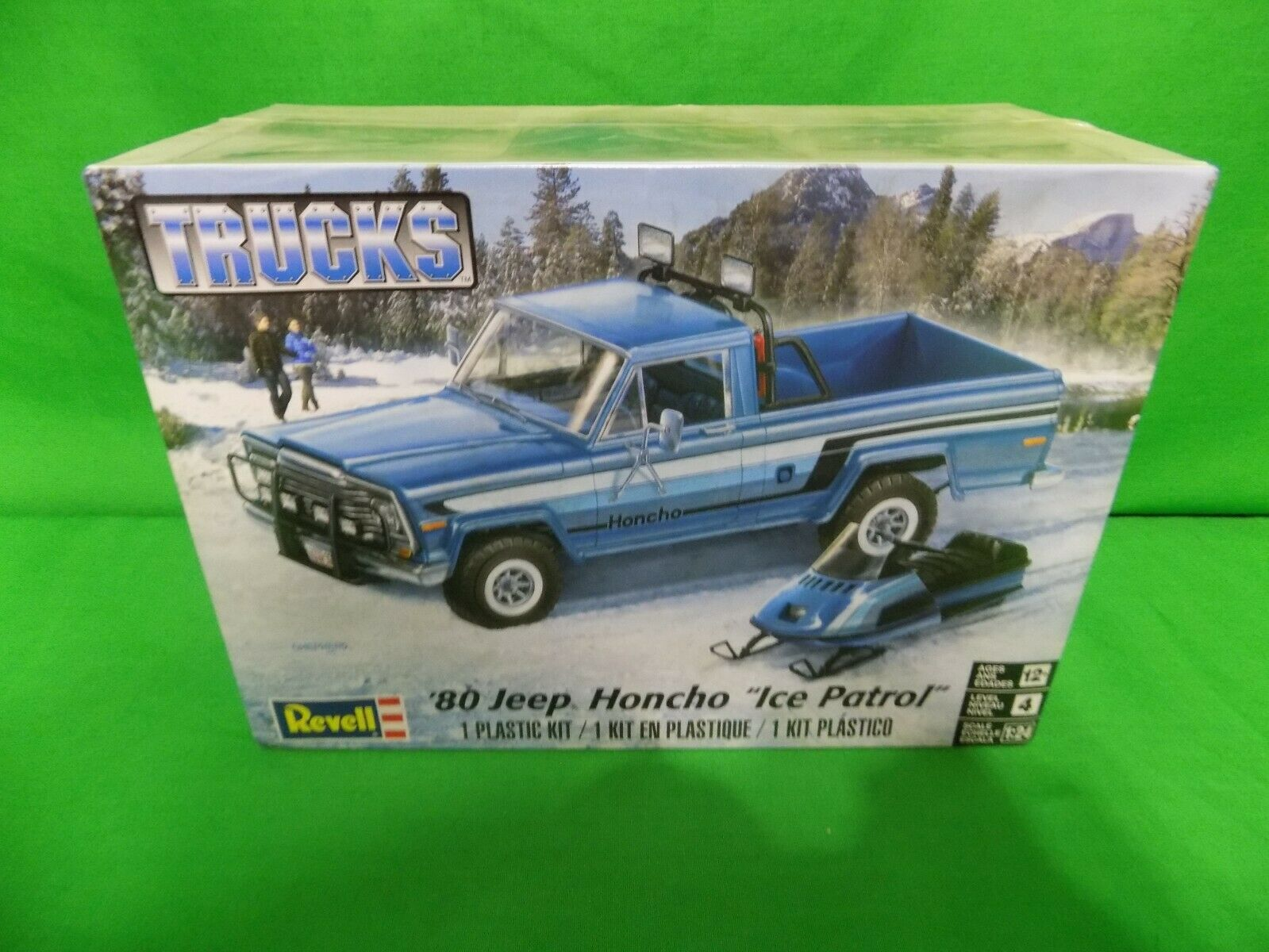 REVELL  '80 JEEP HONCHO  ICE PATROL  MODEL KIT 1 24 SCALE New Sealed