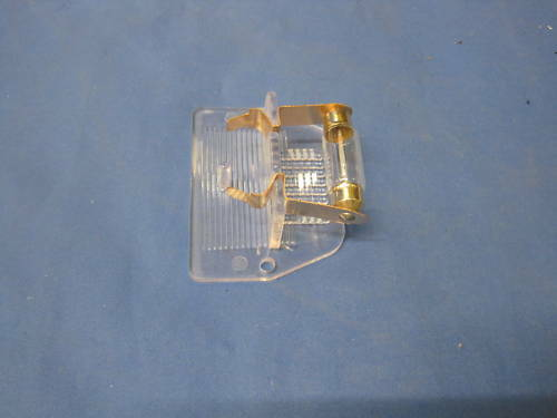Mini plaque d/'immatriculation Lentille et ampoules une paire PRC1230 F2A