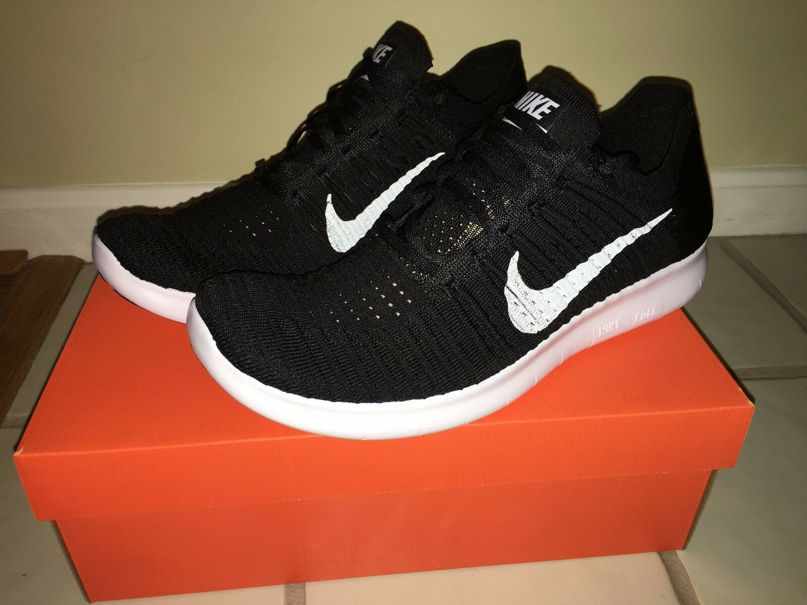 NIKE FREE RN FLYKNIT SNEAKERS SIZE 11 831069001 BRAND NEW BEST OFFER