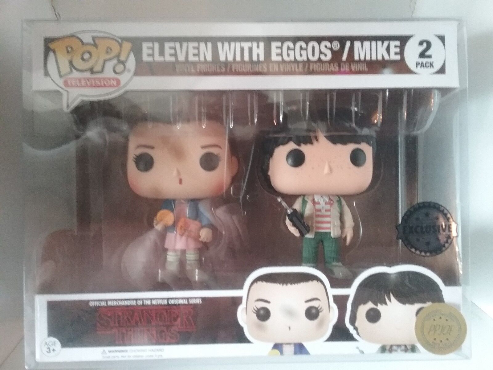 Funko Pop  Eleven and Mike Stranger Things exclusive Double Pop Protector