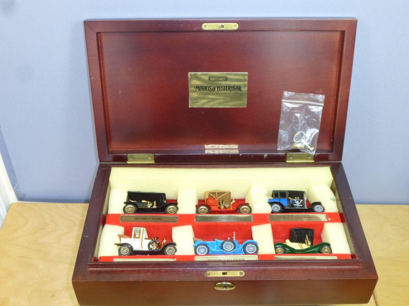 Matchbox Model  célèbres voitures d'antan  en représentation, boîte en bois VN En parfait état, dans sa boîte