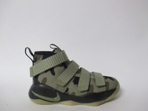 detailed look da252 d8a34 ... 9 FlyEase Preschool deti topánky P9767 Image is loading Nike-Lebron- Soldier-XI-Neutral-Olive-Camo ...