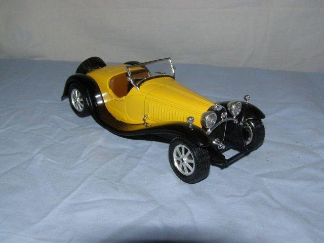 Jouet Burago  voiture Bugatti type 55 (1932), échelle 1 24è