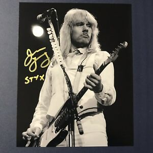 JAMES-YOUNG-HAND-SIGNED-8x10-PHOTO-AUTOGRAPHED-STYX-ORIGINAL-GUITARIST-VERY-RARE