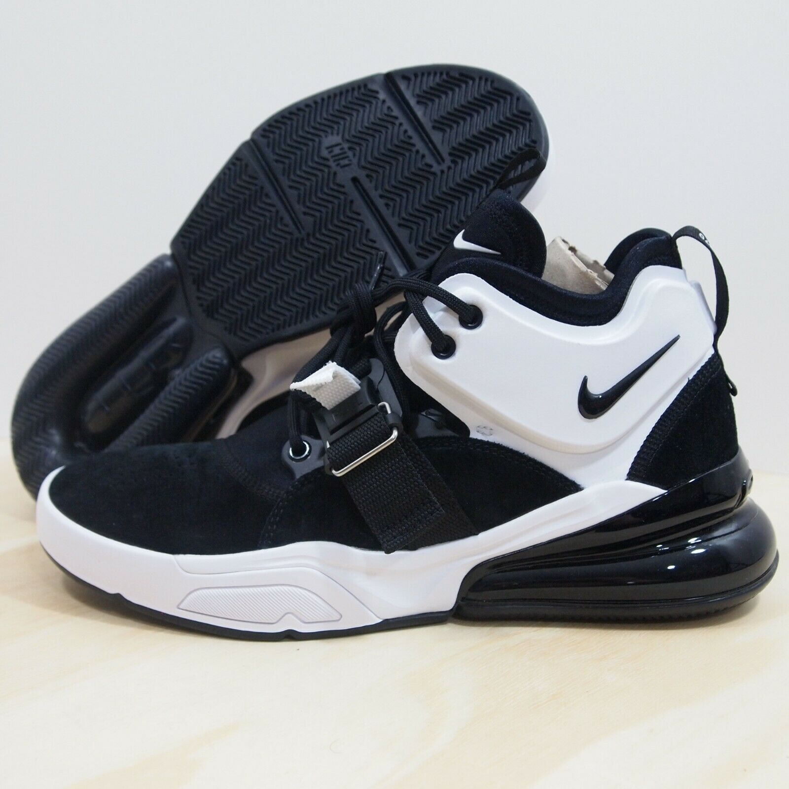 Nike Air Force 270 Men's Size 9 Black White AH6772-006