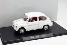 Fiat 600 D Baujahr 1960 weiß 1:24 Leo Models