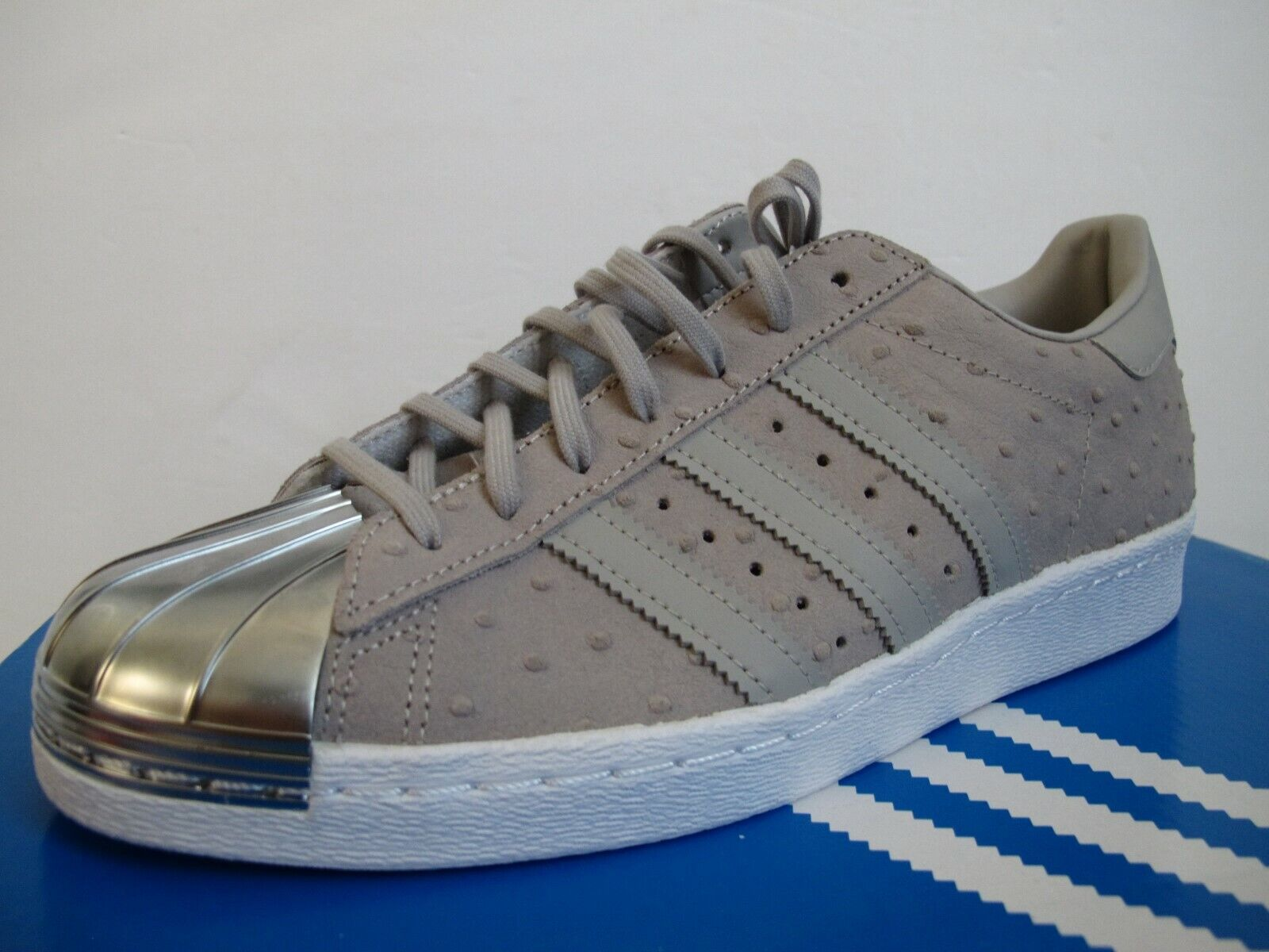 cheap for discount 459f6 78ad4 NEW Adidas Superstar 80s Metal Toe Womens Shoes Sz 9.5