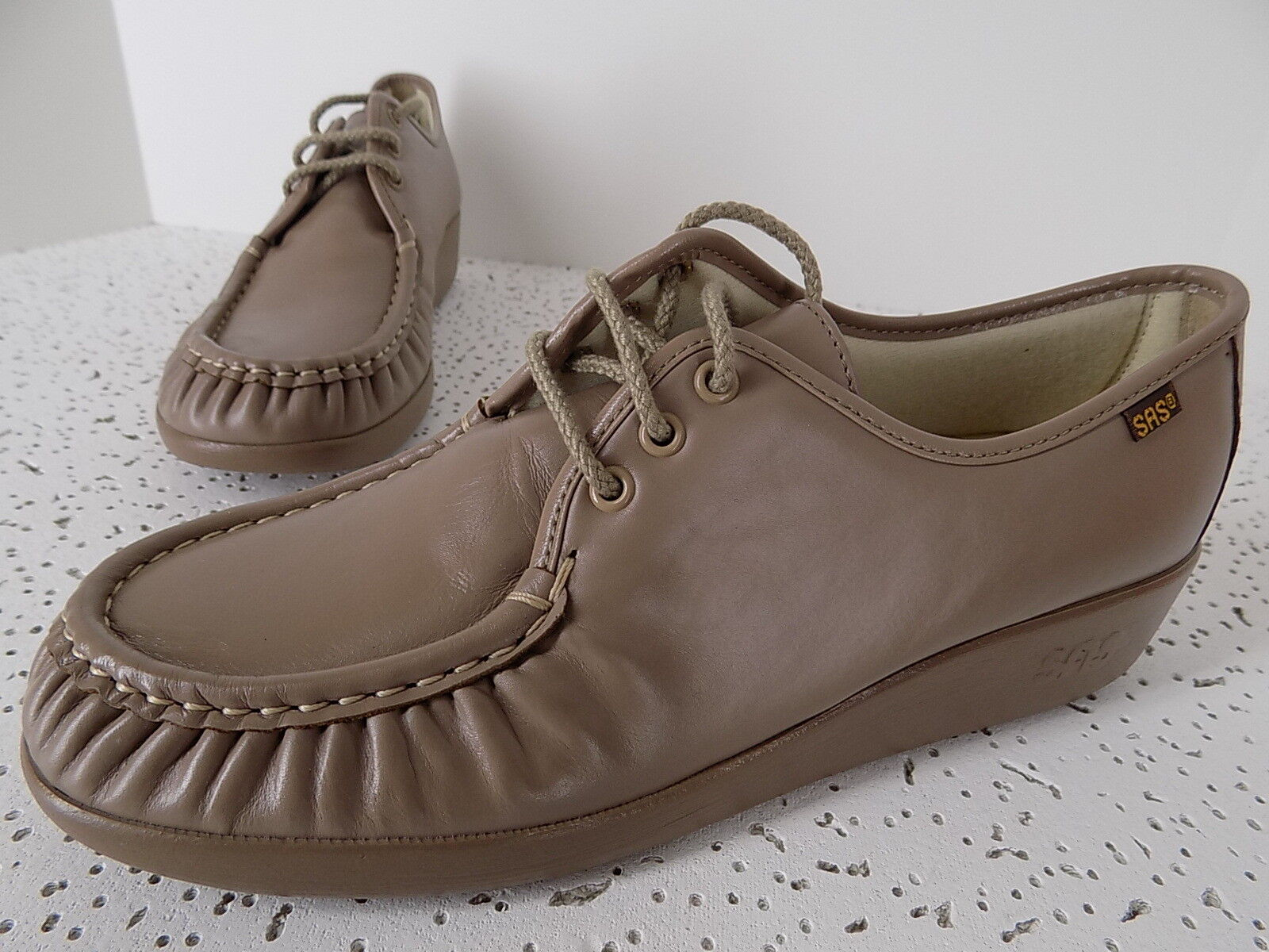NWOB  SAS  Bounce  Made in USA OXFORDS Womens size 10.5N Taupe Leather shoes