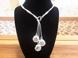 Brand new 925 stamped  silver necklace with three roses and gift box - Leicester, United Kingdom - Brand new 925 stamped  silver necklace with three roses and gift box - Leicester, United Kingdom