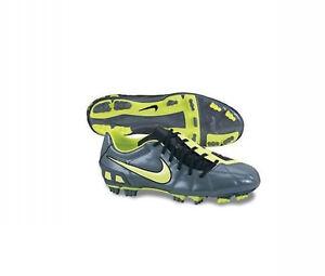 Nike TOTAL 90 Strike III FG 2010 Soccer Shoes  D/W/B Brand New