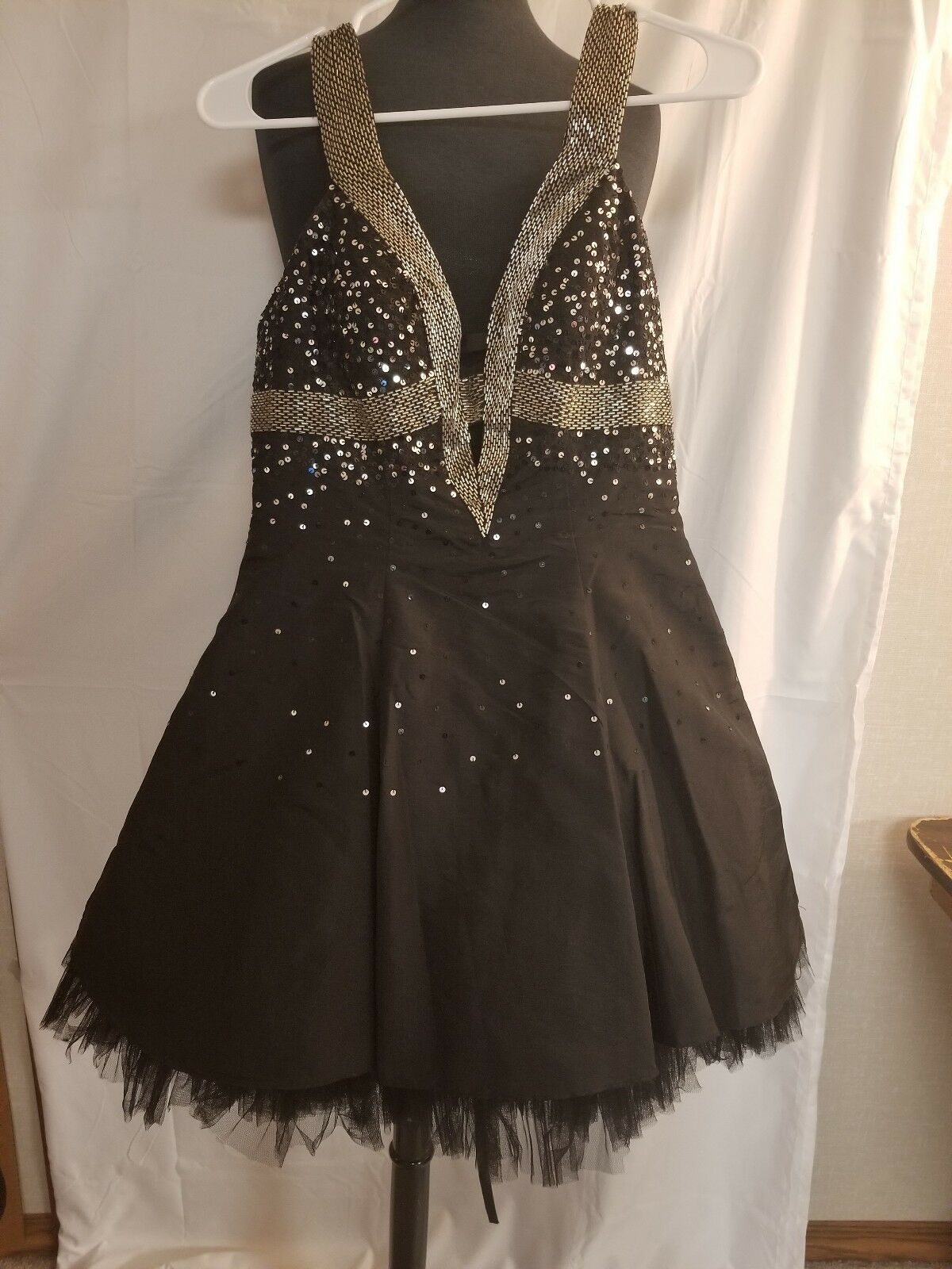 Chicas Short Prom Dress Black and Silver Low Front and Back Opening Size Small!!