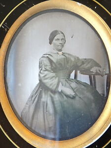 Daguerreotype-portait-femme-costume-rehausse-ambrotype-photo-XIX