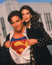 Lois and Clark [Cast] (1391) 8x10 Photo