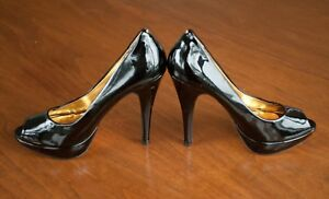 Ted-Baker-HALESIA-Women-US-Size-9-Black-Patent-Leather-Peep-Toe-5-034-Heels-Shoes