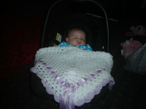 "hand crochet baby girls blanket car seat 26/"" square WHITE//PINK *NEW*"