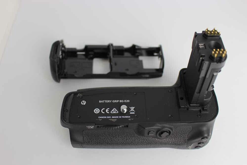 [Near Mint] Canon Battery Grip BG-E20 for EOS Kiss 5D IV from Japan #270