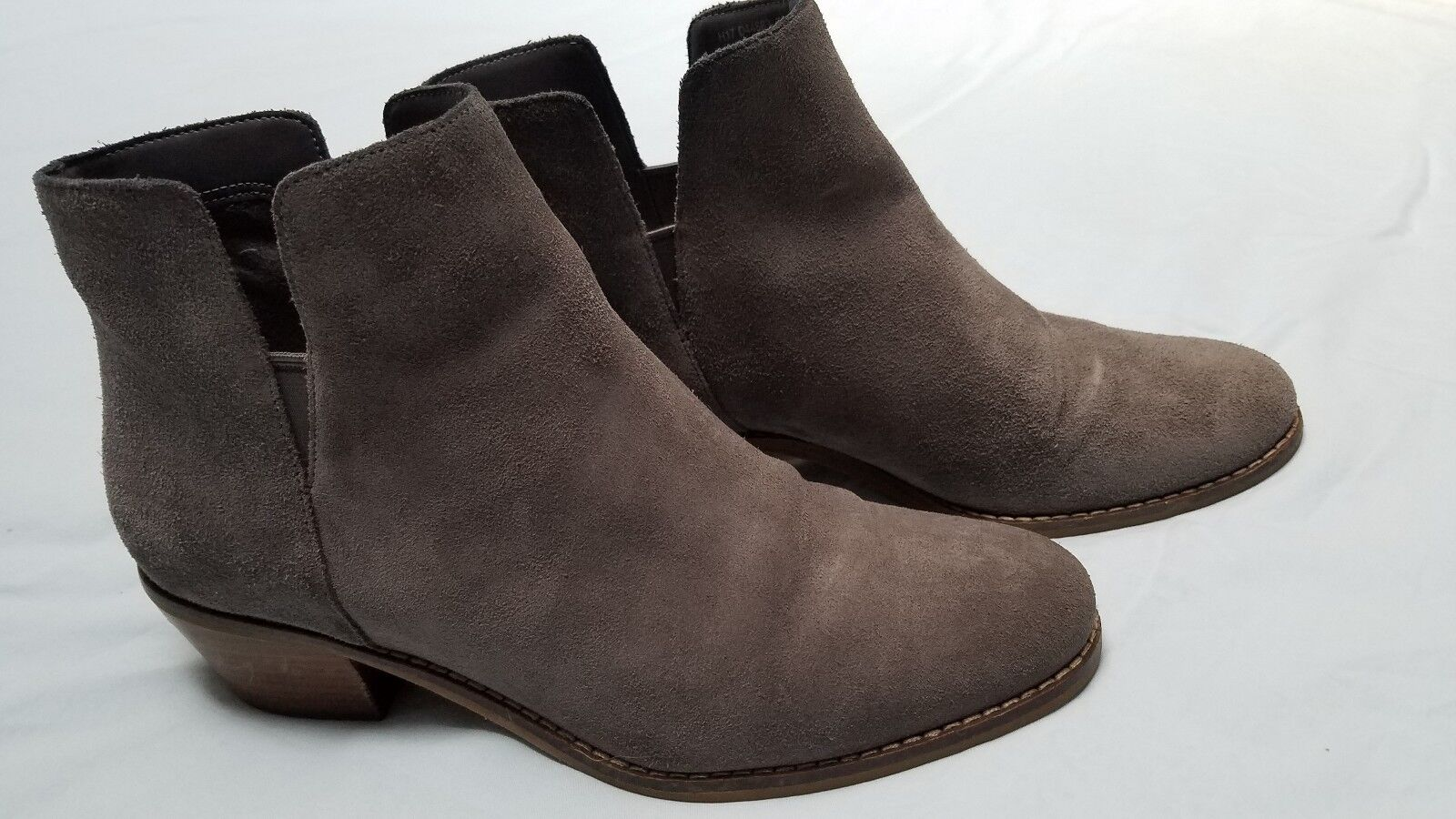 COLE HAAN SIGNATURE GRAND.OS GREY SUEDE ANKLE BOOTS, SIZE 7 1 2 B