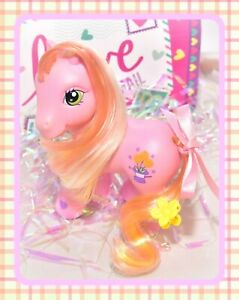 My-Little-Pony-G3-Magic-Marigold-Perfectly-Pony-2005-Pink-Flowers-Hat-MLP