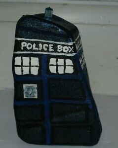 Tardis-sculpture-made-from-a-plain-rock-stone-doctor-who-dr-who-unique-one-off
