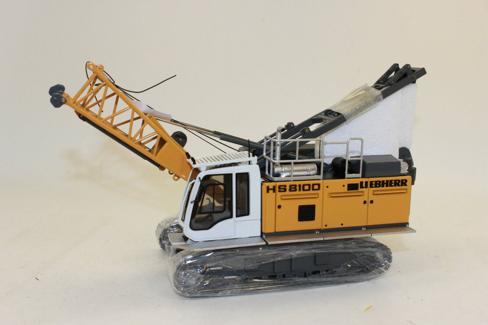 NZG 945 Liebherr hydpinkilbagger HS 8100 HD Litronic 1 50 New with OVP