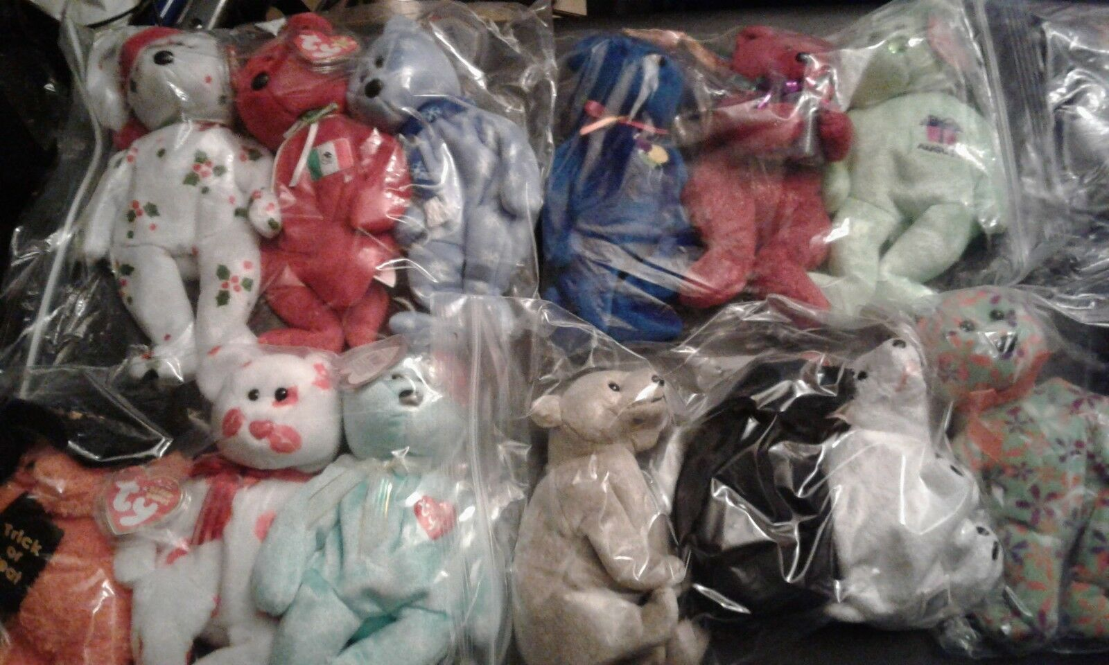 Ty Beanie Babies lot of 27 bears... 25 babies ...2 buddies