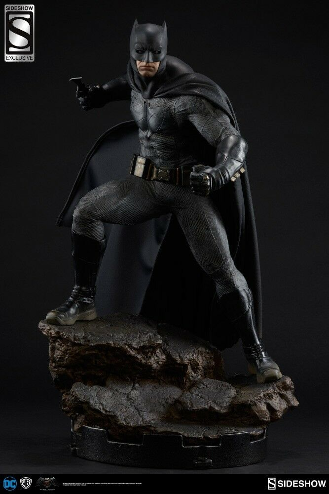 BATMAN FIGURE-Slideshow Collectibles-Batman vs. Superman  Dawn of justice