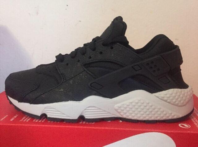 Nike W Air Huarache Run Premium Shoes