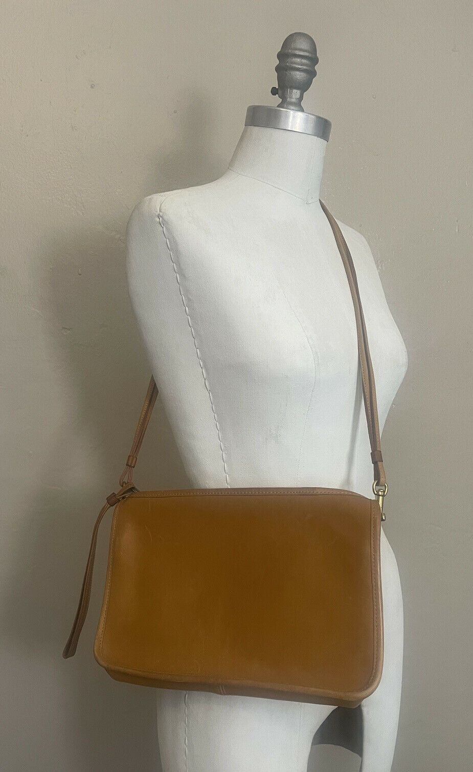 Vintage COACH Convertible Clutch Shoulder Bag Bon… - image 1