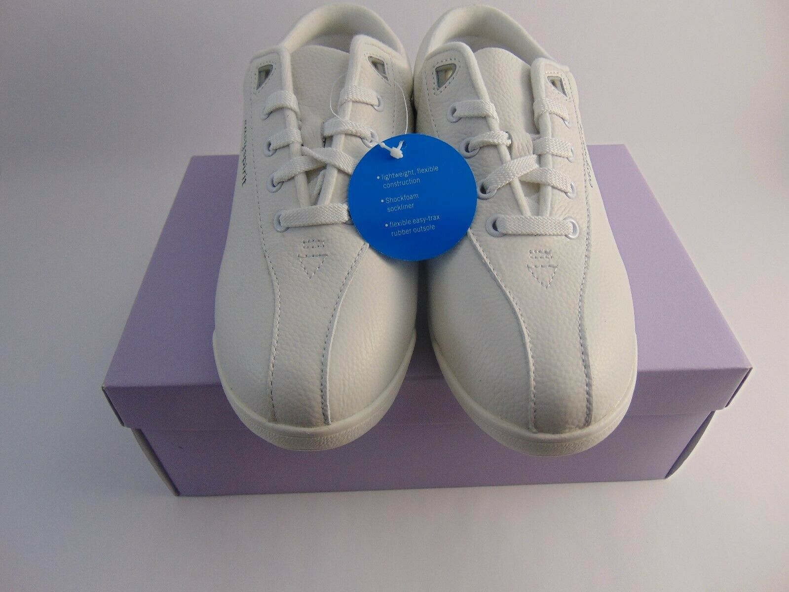Easy Spirit Leather Womens Casuals shoes Size 7