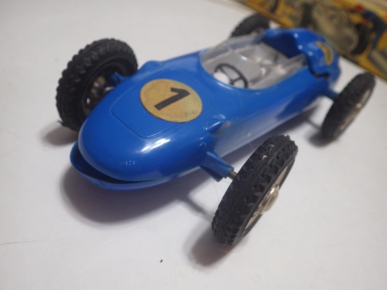 JNF struxi (Allemagne) bleu PORSCHE FORMULE 2 Plastique friction 1 17