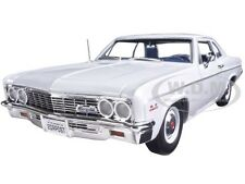 1966 CHEVROLET BEL AIR WHITE LTD TO 1002PC 1/18 MODEL CAR BY AUTOWORLD AMM1078