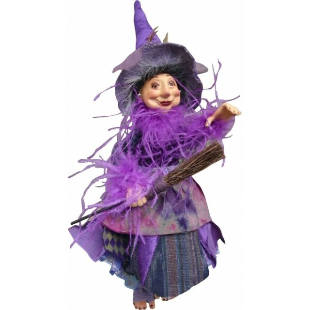 Witches of Pendle - Alizon Device Witch Hang sit Purple 24cm Brucha collectible
